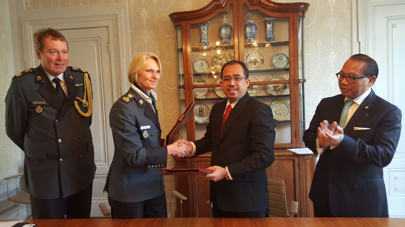 PENANDATANGANAN MOU BEA CUKAI INDONESIA DAN CUSTOMS ADMINISTRATION OF NETHERLAND