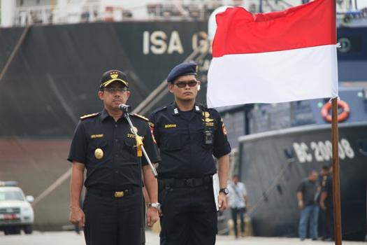 Operasi yang dibuka langsung oleh Direktur Jenderal Bea dan Cukai Heru  Pambudi ini (07 04) fcf19d14a4